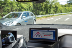 System warnt den Fahrer vor dem Falschfahrer
