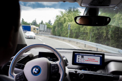 System warnt den Fahrer vor falscher Fahrtrichtung